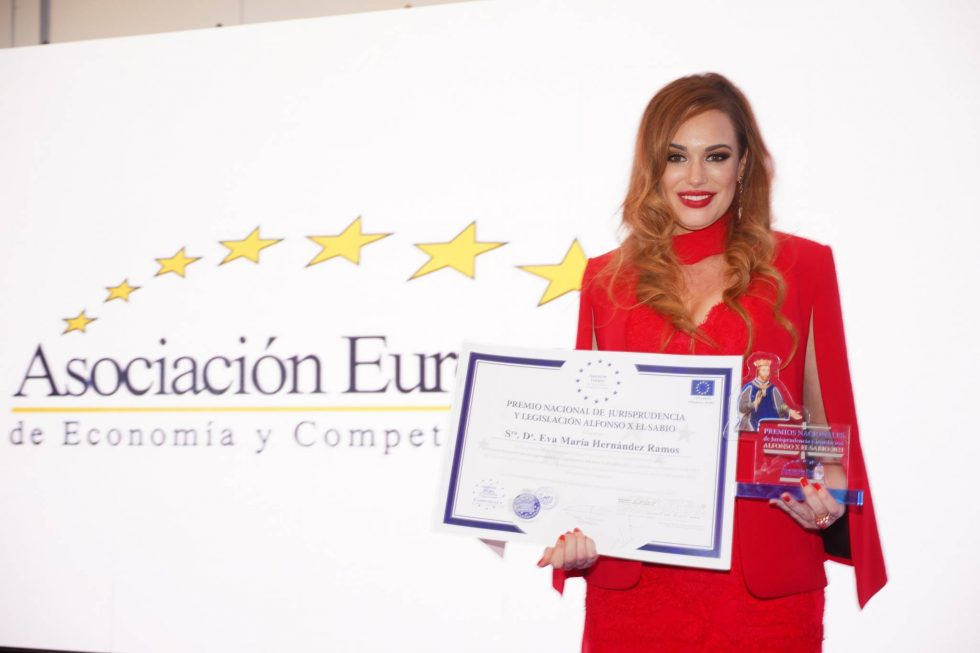 Premio nacional de jurisprudencia y legislacion Alfonso X El Sabio Eva Hernández Ramos