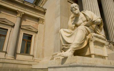 ¿Qué es el derecho natural? Una comparativa con el Derecho positivo y sus contradicciones